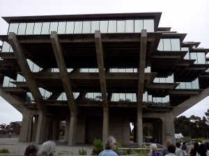 Image, Exterior of the Geisel Library